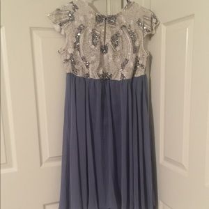 Evening / Party Dress - Size Medium